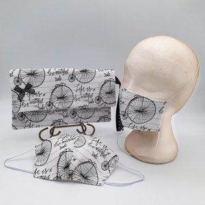 Clutch Bag And Form-Fitting Cotton Face Mask.